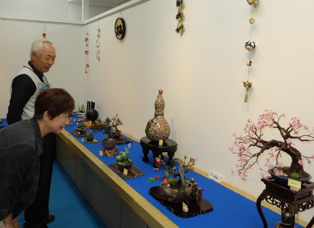 アート盆栽の作品を展示・販売している会場
