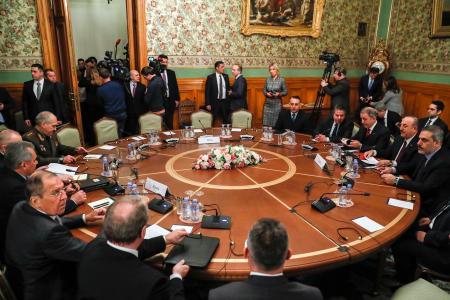 13日、モスクワで開かれたロシアとトルコの外務・国防閣僚会議(タス=共同)