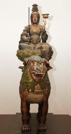 奈良国立博物館がエックス線CTスキャン調査した大智寺の本尊・文殊菩薩騎獅像=1日午後、奈良市