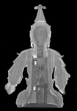 奈良国立博物館がエックス線CTスキャン調査した大智寺の本尊・文殊菩薩騎獅像の断面画像。首部分の厨子の中に小さな文殊菩薩坐像があった