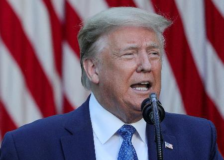 人種差別抗議に対する声明を発表するトランプ米大統領=ホワイトハウス(ロイター=共同)