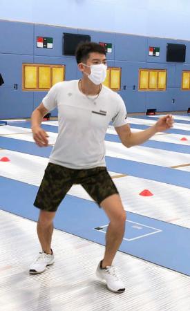 練習を再開したエペの見延和靖=東京都北区の味の素ナショナルトレーニングセンター(日本フェンシング協会提供)
